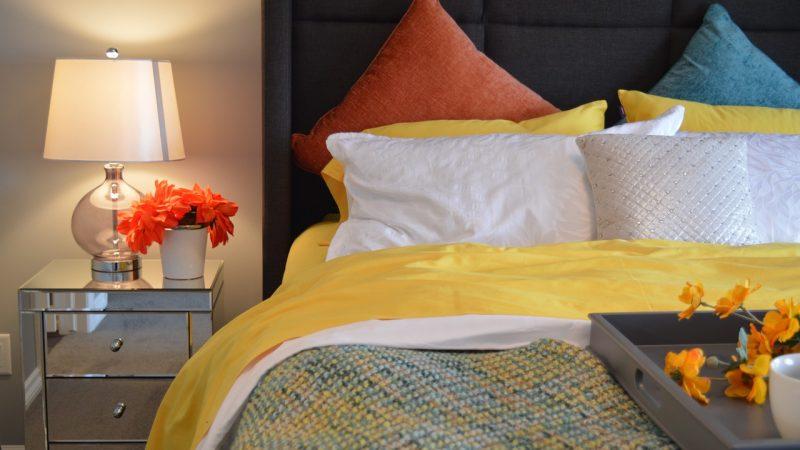 Poduszki w stylu boho: ociepl swoje mieszkanie