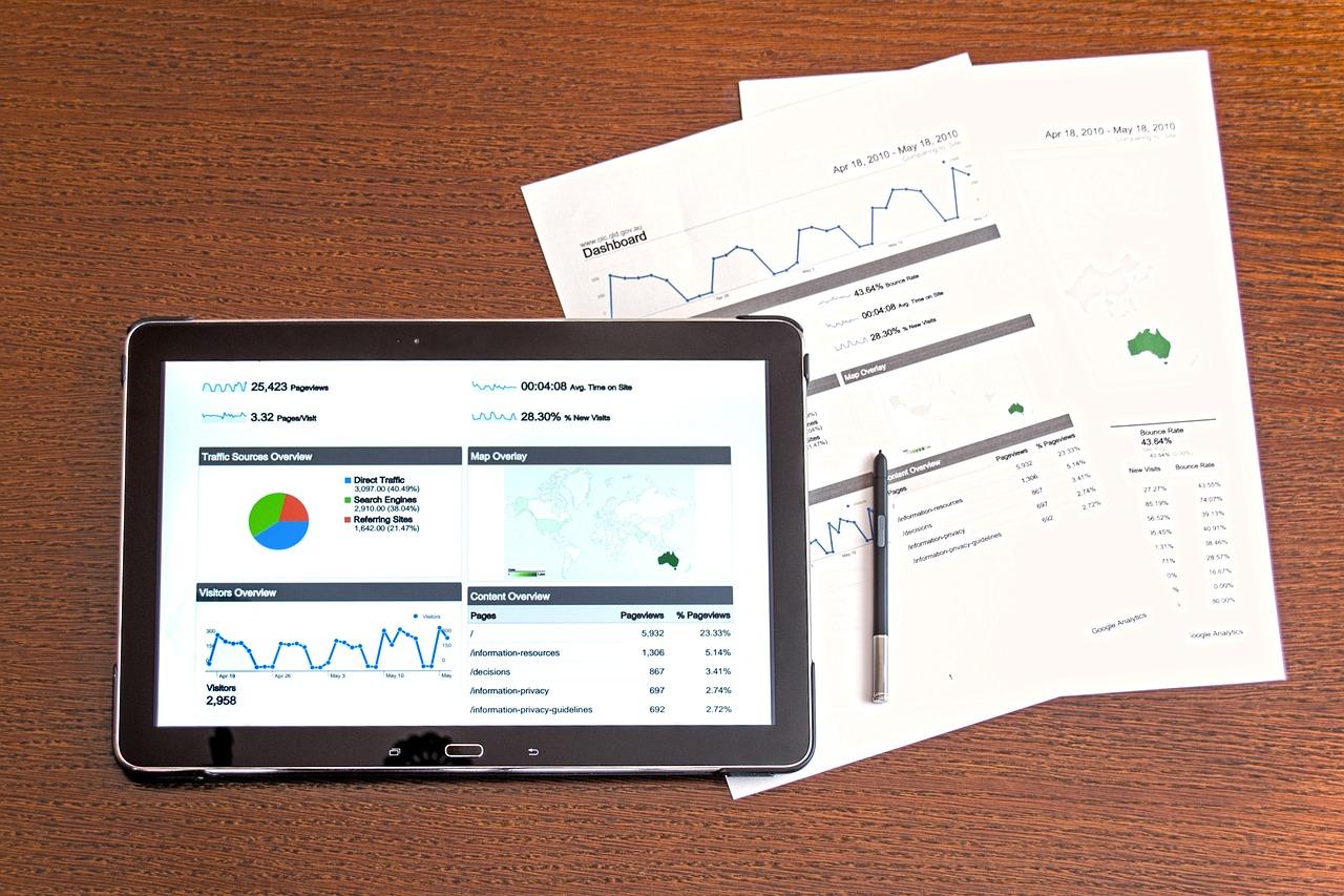 Dokumenty w firmie – jak je organizować?