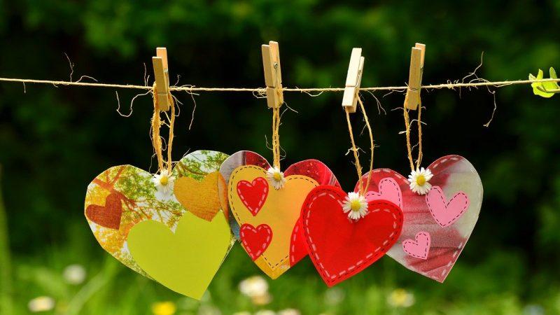 Jakie prezenty można kupić ukochanemu na Walentynki?
